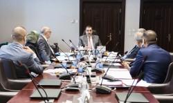 محافظ البنك المركزي العراقي يترأس اجتماع لجنة شؤون العملة