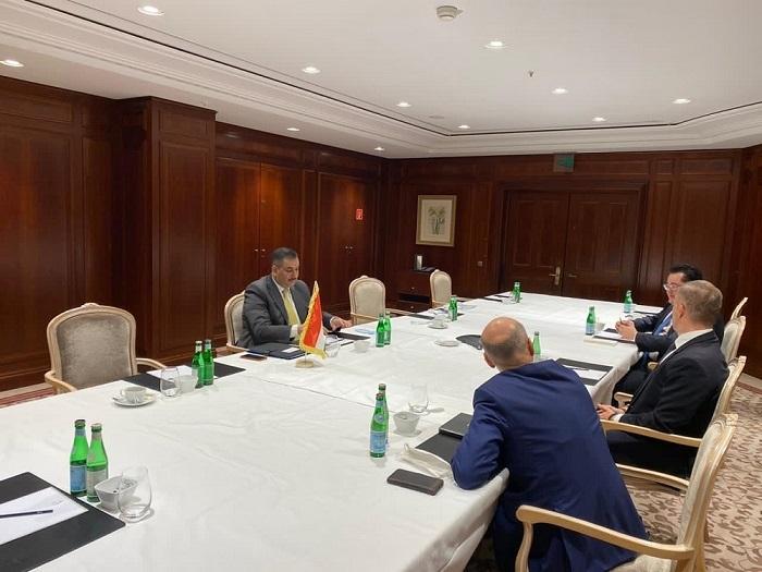 محافظ البنك المركزي العراقي يعقد سلسلة اجتماعات مع مجموعة من المصارف الألمانية الكبيرة