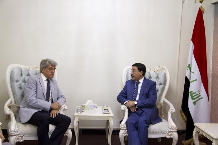 محافظ البنك المركزي العراقي يلتقي السفير الفرنسي لدى العراق