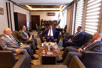 معالي محافظ البنك المركزي العراقي يلتقي عدد من الشخصيات المالية والأقتصادية