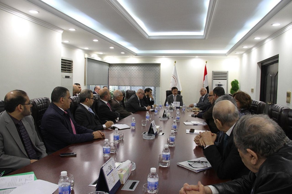 The supervisory and auditing bodies meet in the Central Bank of Iraq File-154805186899234